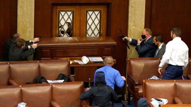 El 6 de enero se vivieron escenas insólitas en la sede del Congreso de Estados Unidos.