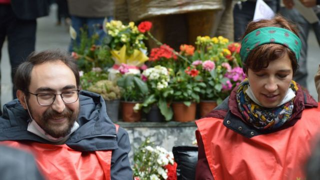 """""""Örgüt üyeliği"""" iddiasıyla yargılandıkları davada Semih Özakça (solda) beraat etmiş, ceza alan Nuriye Gülmen ise hapiste geçirdiği süre göz önünde bulundurularak tahliye edilmişti"""