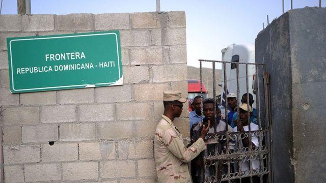 Puesto fronterizo entre República Dominicana y Haití.