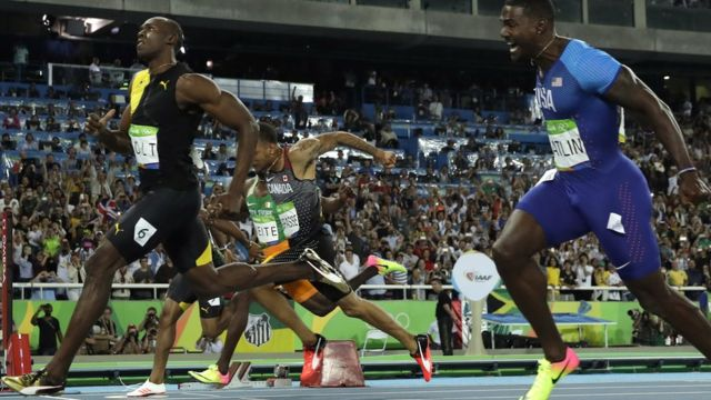 Usan Bolt (izquierda) y Justin Gatlin.