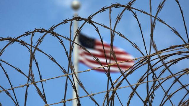 Bandera en Guantánamo