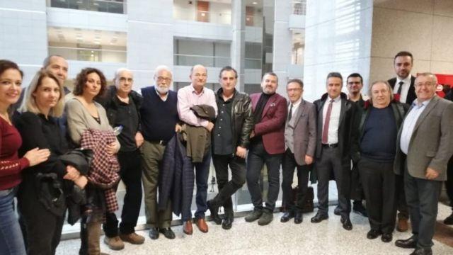 Davayı izleyen Sözcü çalışanları ve sanıklar