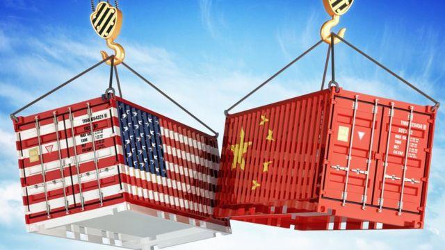 Choque de contenedores de China y EE.UU.