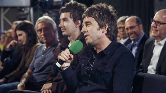 Paul Weller e Noel Gallagher estavam na plateia e fizeram perguntas a McCartney