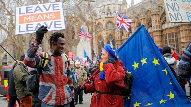 Un probrexit y una defensora de la UE.