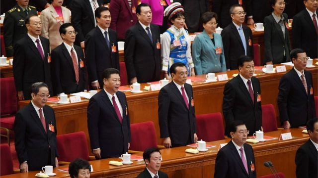 中国领导人出席人大会议