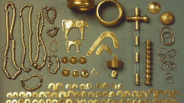 Tesoro de oro de la Necrópolis de Varna.