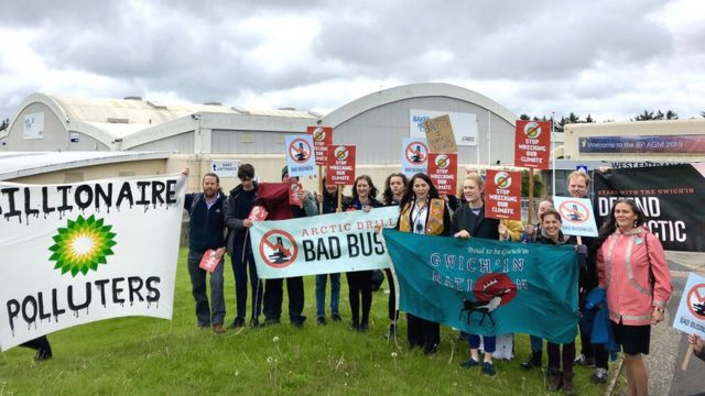 Climate protests held at BP AGM in Aberdeen