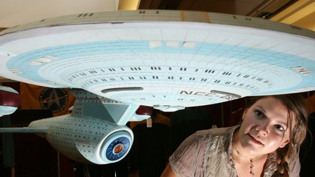 Una replica de una nave espacial de Star Trek