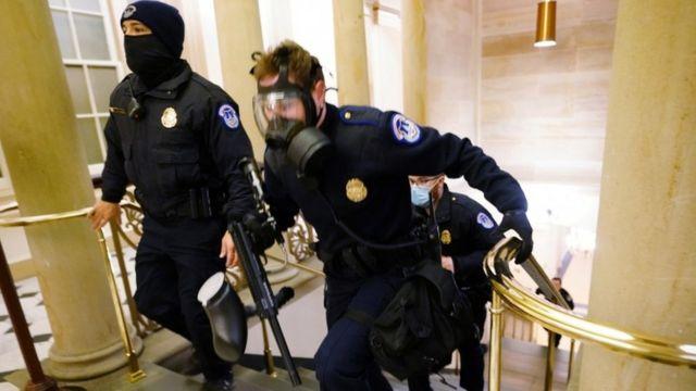 Полиция в Капитолии