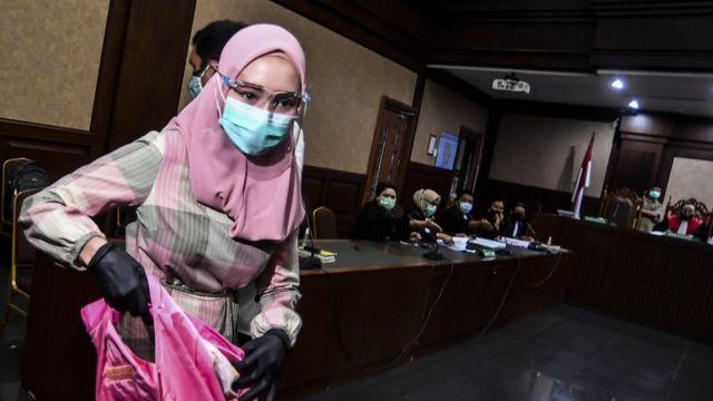 Mantan Jaksa Pinangki Divonis 10 Tahun Penjara Terbukti Terima Suap Rp7 Miliar Dan Lakukan Pemufakatan Jahat Untuk Bebaskan Djoko Tjandra Bbc News Indonesia