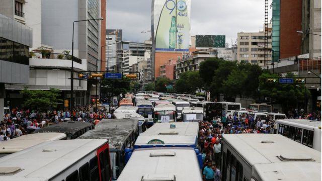 Protesta de conductores de buses en Caracas