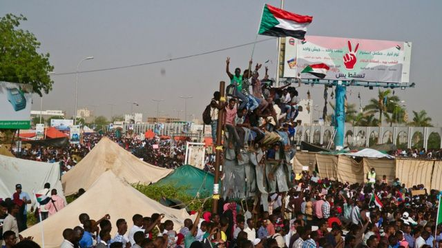 Sudan protesters need 'united front' in military talks