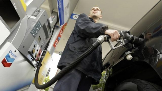US consumer prices drop for the first time in seven months.