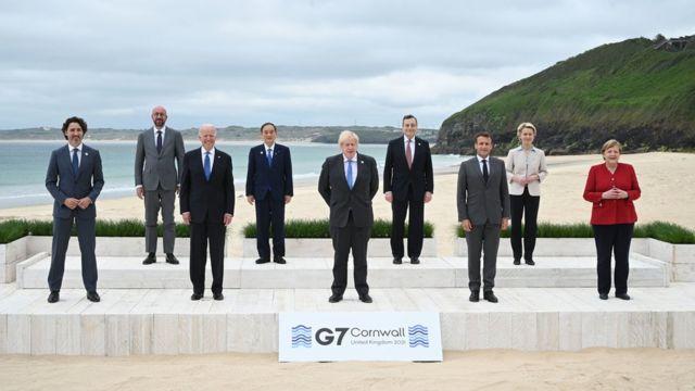 G7成员国与欧盟领导人在英国康沃尔郡法尔茅斯G7峰会会场合照(11/6/2021)
