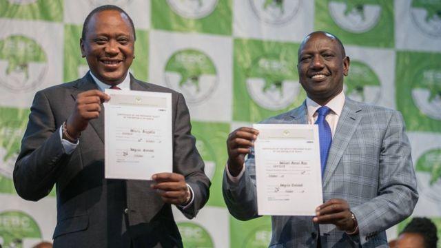 Rais Uhuru Kenyatta (kushoto) na naibu rais William Ruto