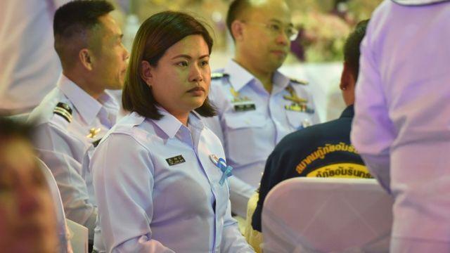 """นางวลีพร กุนัน ภรรยาของ น.ต. สมาน กุนัน หรือจ่าแซม ผู้ได้รับการยกย่องให้เป็น """"ฮีโร่ถ้ำหลวง"""""""
