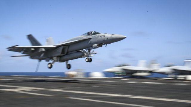 многоцелевой истребитель-бомбардировщик F/A-18E Super Hornet