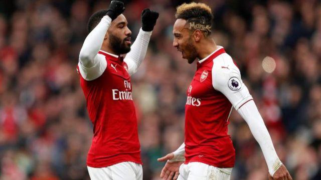 Les deux buteurs d'Arsenal Pierre-Emerick Aubameyang et Alexandre Lacazette.