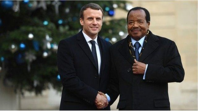 Emmanuel Macron en compagnie de son homologue camerounais Paul Biya