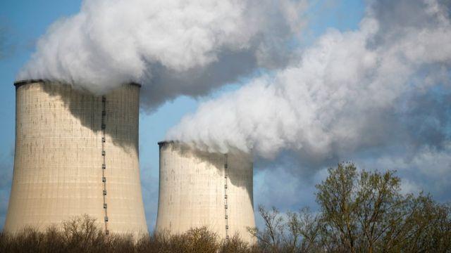 مفاعل لتوليد الطاقة النووية.