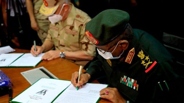 توقيع اتفاقية تعاون عسكري بين رئيسي الأركان في الجيشين السوداني والمصري