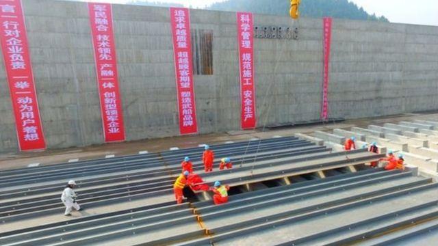চীনে জাহাজটি নির্মাণের কাজ চলছে