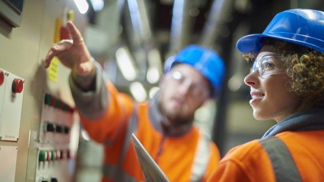 Scots employment gender gap 'narrowing'