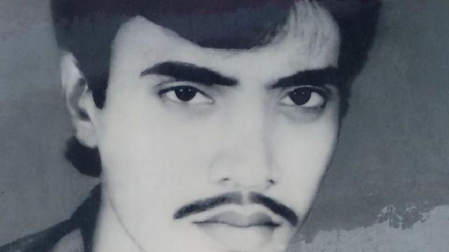 1992లో జరిగిన అల్లర్లలో షరీఫ్ కుమారుడు చనిపోయారు