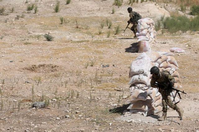 Suriyeli muhalifler İdlib'e olası bir operasyona hazırlanıyor.