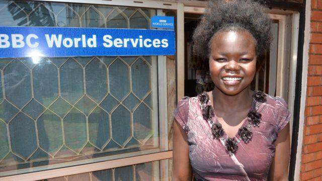 Originaire du Soudan du sud, Betty Asha vivant en Ouganda a réussi à aider 2 300 de ses compatriotes à atteindre l'Ouganda