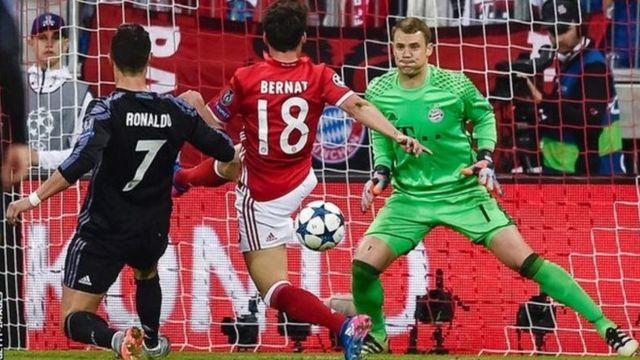 Mlinda mlango Manuel Neuer alifanya kazi ya ziada katika mchezo huo