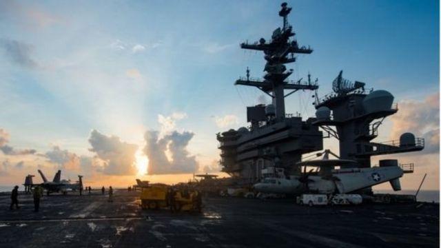 USS Carl Vinson, n'ubwato buyoboye ibiganiwsho vya Amerika biri nku nkengera za Koreya ya ruguru