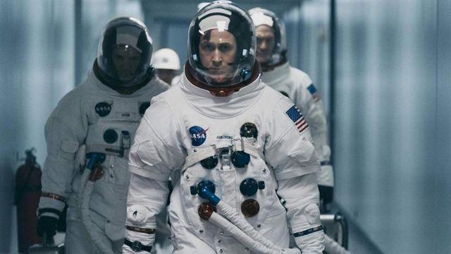 Ryan Gosling aparece em primeiro plano em cena de 'O primeiro homem'