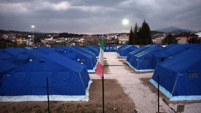 Палаточный лагерь в 2009 году