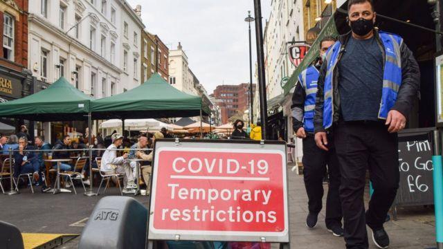 """COVID-19: En el Reino Unido se espera que sea como un """"resfriado común"""""""
