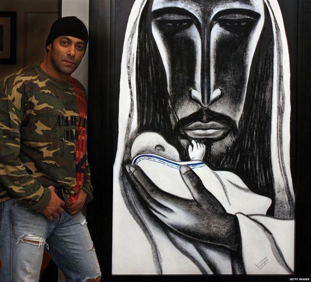 सलमान खान त्याच्या पेंटिंगसोबत