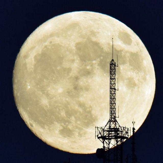 Supermoon, bulan, Madrid