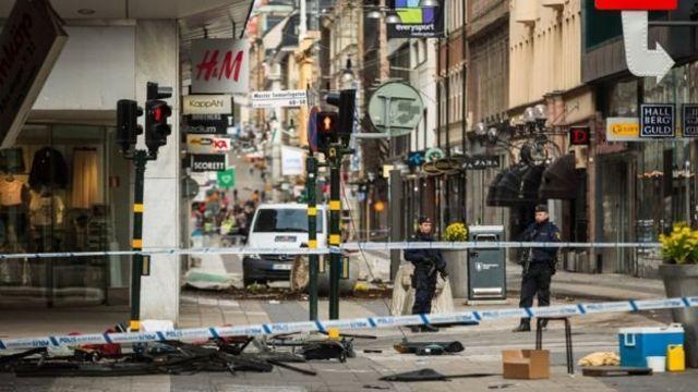 Stockholm kamyon saldırısı sonrası olay mahalli