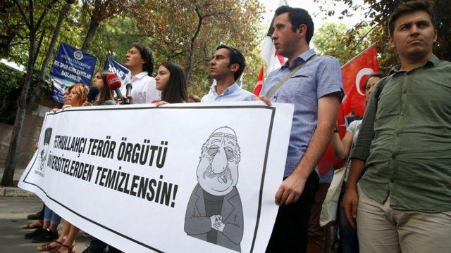 Protesta contra Fethullah Gülen