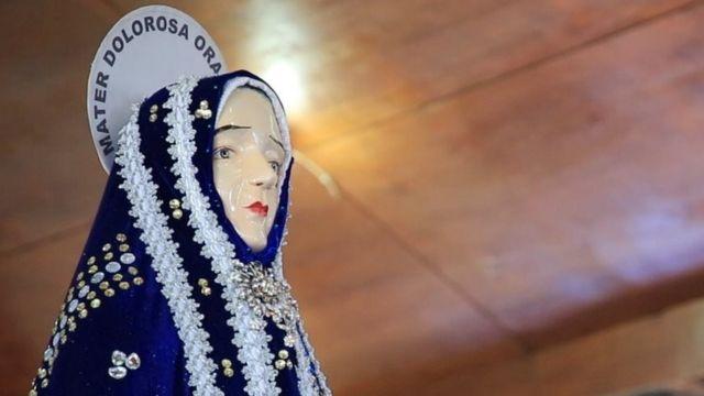 Patung Bunda Maria berduka dalam tradisi Semana Santa, yang telah berusia sekitar 500 tahun.