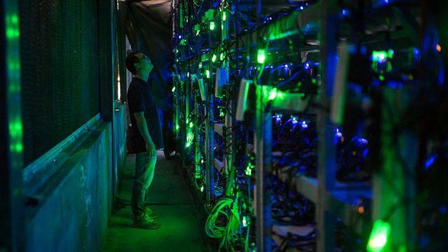 """中國四川大山深處的一家虛擬貨幣""""礦場""""。"""