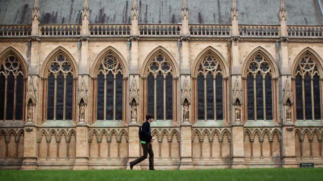 영국 대학교중에서는 캠브리지 대학교가 가장 높은 순위를 기록했다