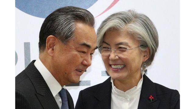 지난 4일 강경화 외교부 장관과 방한한 왕이 중국 외교담당 국무위원 겸 외교부장