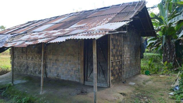 फानेंग गांव में इसी घर में रहती थीं करिश्मा मेच