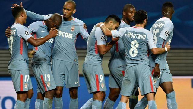 Monaco players dey celebrate