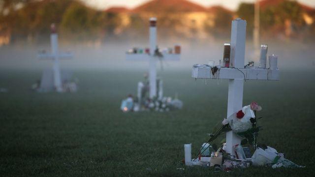 Кресты в память погибших студентов