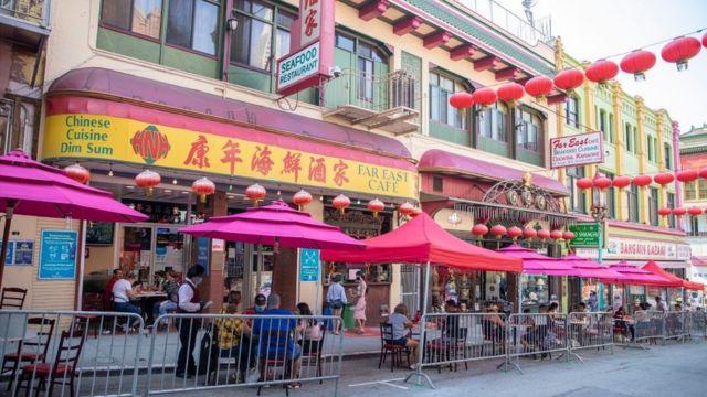 因为室外用餐,旧金山唐人街正缓慢恢复客流(photo:BBC)