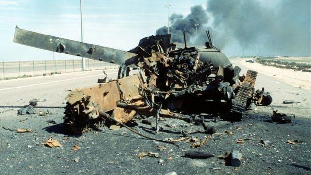 Подбитый иракский танк (27 февраля 1991 года)