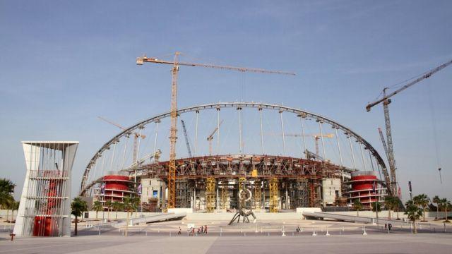 Строящийся стадион в Дохе